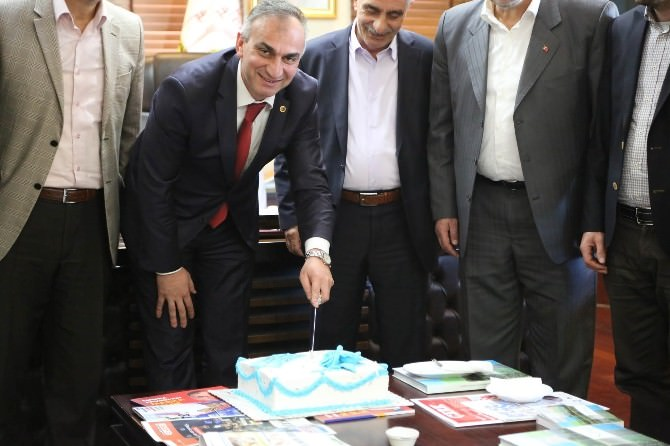 AK Parti Sapanca İlçe Teşkilatı, Başkan Yılmazer'i Tebrik Etti