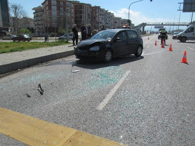 Takla Atan Araçta İki Kişi Yaralandı