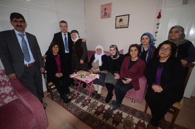 Başhekim Rodoplu'dan Taburcu Olan Hastalara Ziyaret
