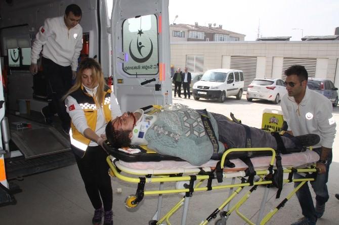 Kafasına Sunta Düşen İşçi Ağır Yaralandı