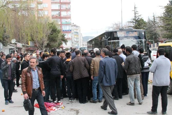 Elazığ'da Seyyar Satıcı Gerginliği: 1 Yaralı