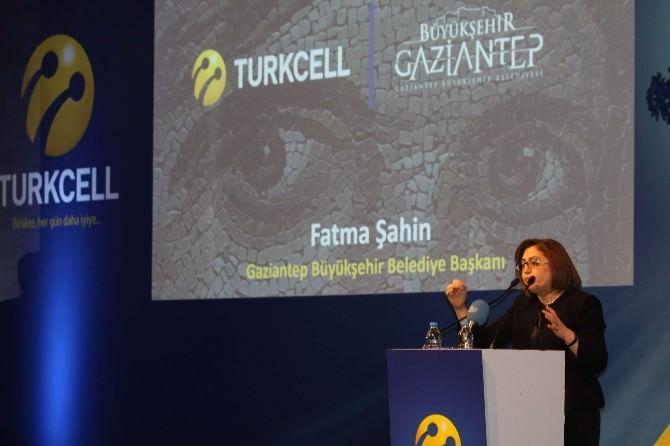 Fatma Şahin, Elektrik Kesintilerini Değerlendirdi