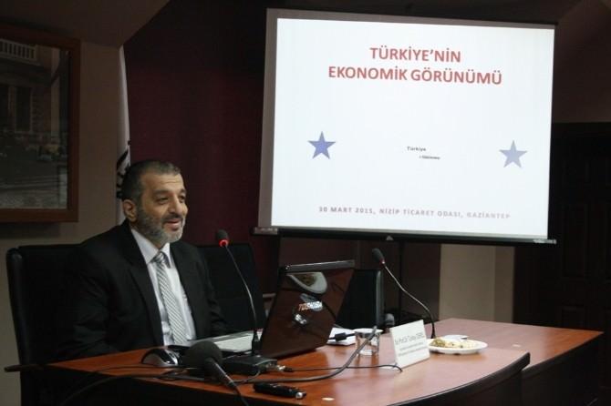 """Nizip'te """"Türkiye'nin Ekonomik Görünümü"""" Konulu Konferans Düzenlendi"""