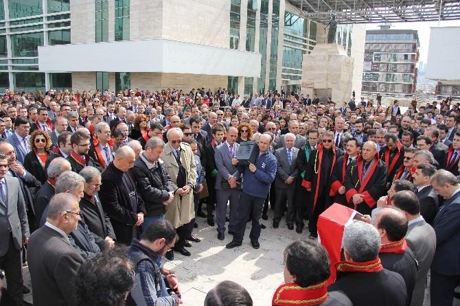 Şehit Başsavcı İçin Samsun Adliyesi Önünde Dua Okundu