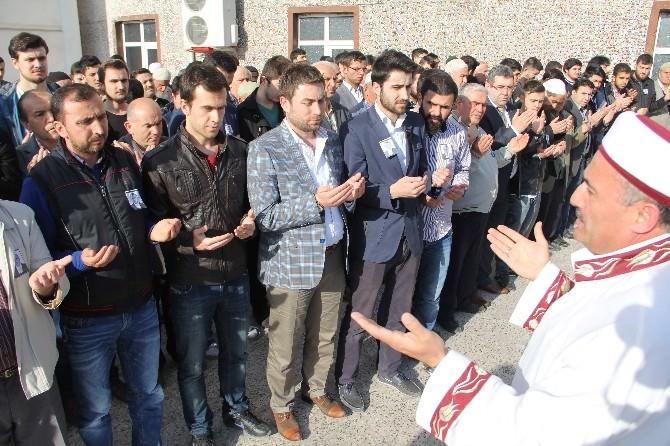 Savcı Mehmet Selim Kiraz İçin Gıyabi Cenaze Namazı Kılındı