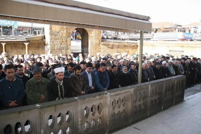Şehit Cumhuriyet Savcısı Kiraz İçin Yozgat'ta Gıyabi Cenaze Namazı Kılındı
