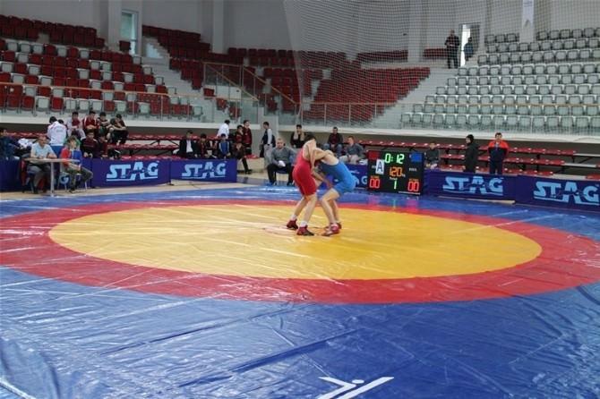 Yalova'da Güreş Heyecanı Başladı
