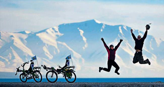 Yatay bisikletle dünya seyahati