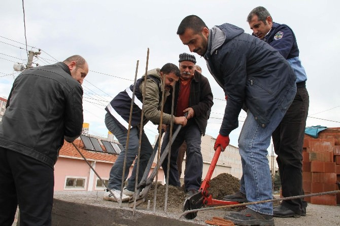 Bağlar'da Kaçak Yapılan İki Ev Yıkıldı