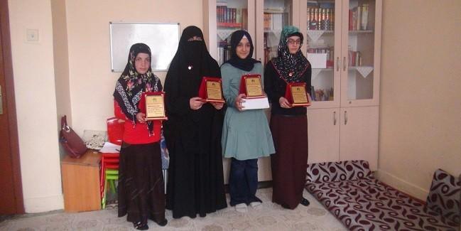 Siyer Sınavında Dereceye Girenlere Ödül Verildi