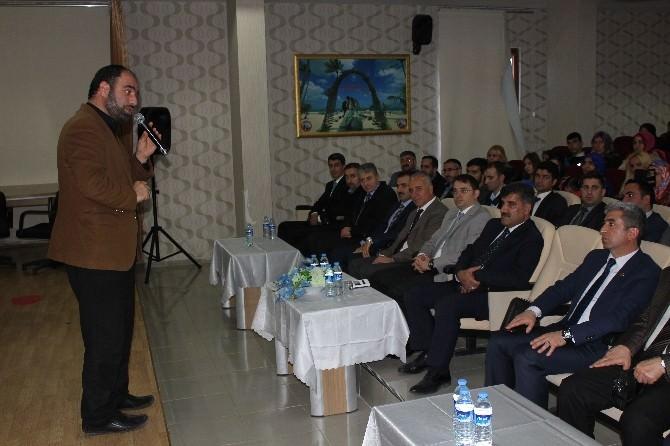 İlahiyatçı Yazar Ahmet Bulut Karakoçan'da Konferans Verdi