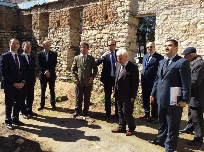 Edirne Valisi Şahin, Uzunköprü'deki Tarihi Eserlerde İncelemelerde Bulundu