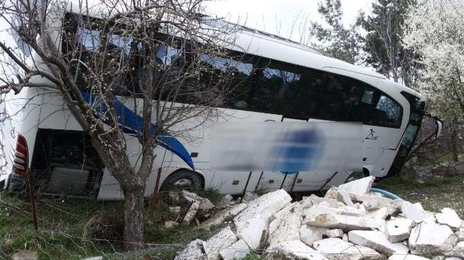 Karabük'te Yolcu Otobüsü Yoldan Çıktı
