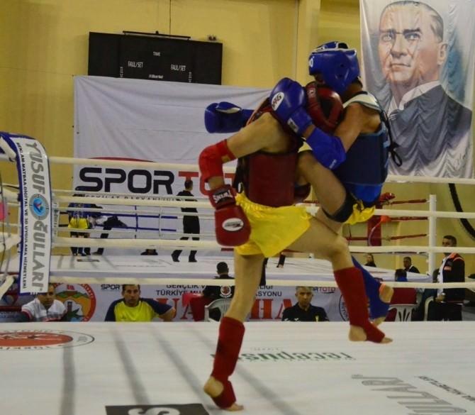Muay Thai Türkiye Şampiyonası Adana'da Sürüyor