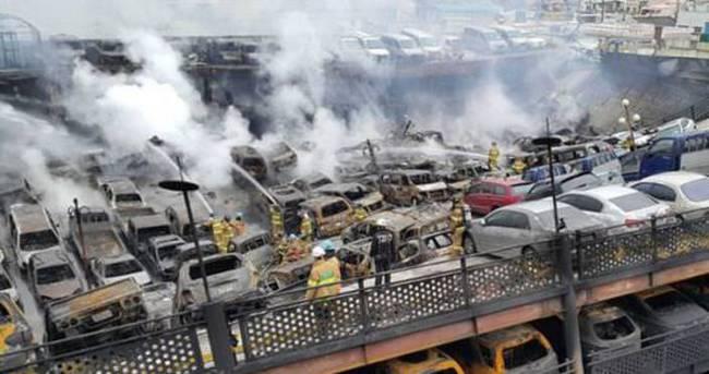 Araba parkındaki 570 araç küle döndü