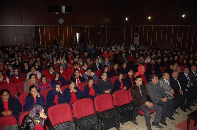Kız Öğrencilere Konferans Verildi
