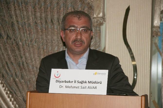 Diyarbakır'da Acil Sağlık Çalışanlarına 'Hasta İle İletişim' Toplantısı