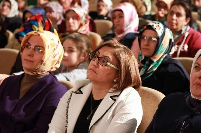 """Eraslan """"Zamanı Kuran Kadınları"""" Gaziantep'te Anlattı"""