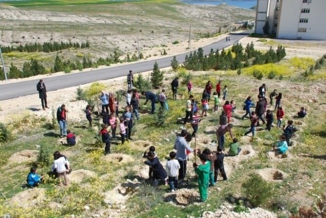 Öğrencilerden Nizip Eğitim Fakültesi'ne Ziyaret