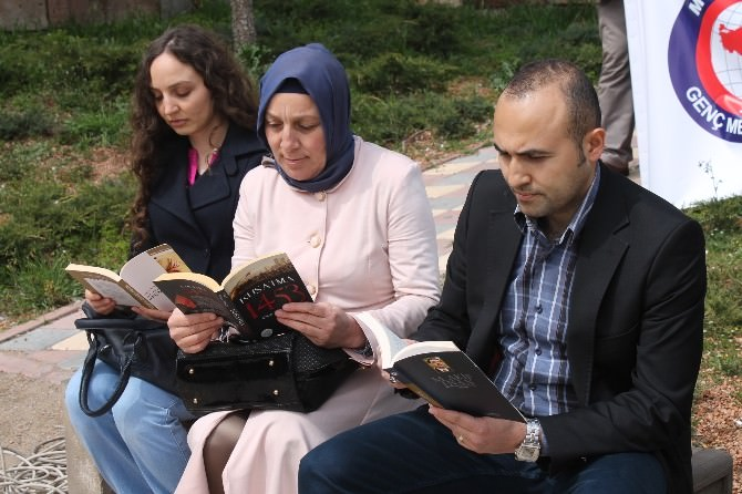 Genç Memur-sen'den Kitap Okuma Eylemi