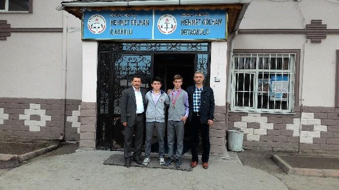 Güreşte İl Birincisi Mehmet Gölhan Ortaokulun'dan