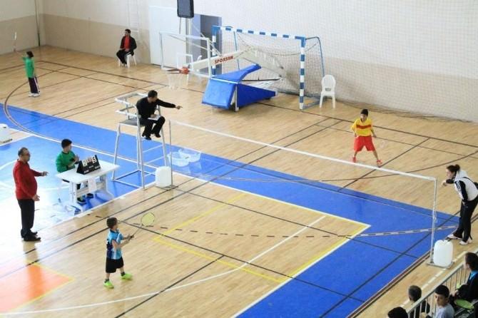 İşitme Engelliler Badminton Türkiye Şampiyonası Karaman'da Başladı