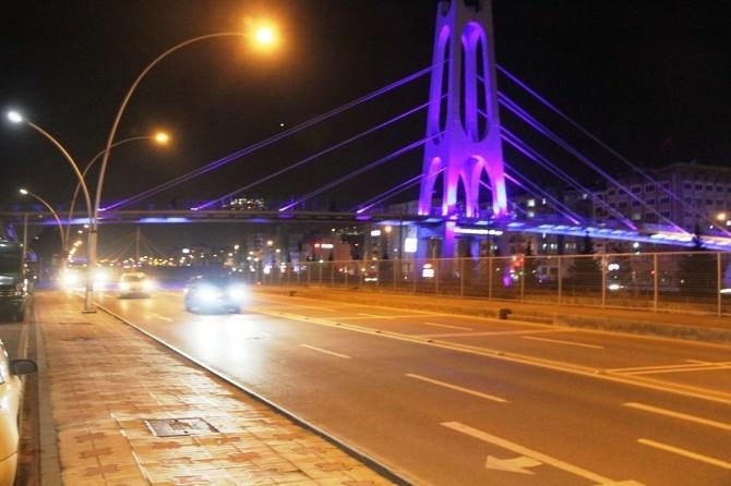 Kocaeli Büyükşehir Belediyesi Mavi İle Farkındalık Oluşturuyor