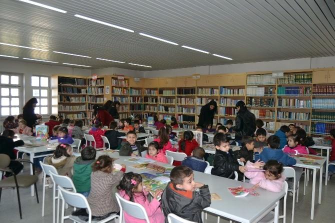 Kulu'da Öğrenciler Kütüphaneyi Ziyaret Etti