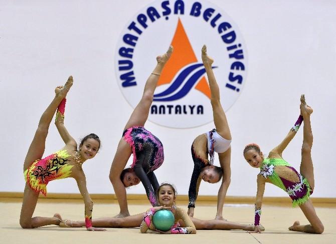 Muratpaşalı Jimnastikçiler Madalya Avında