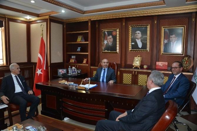 MÜSİAD Genel Başkanı Nail Olpak, Başkan Kara'yı Ziyaret Etti