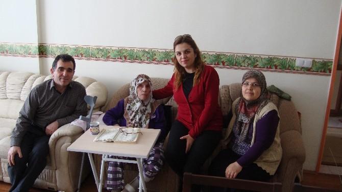 Sağlık Yöneticileri Tarafından Hastalar Evlerinde Ziyaret Ediliyor