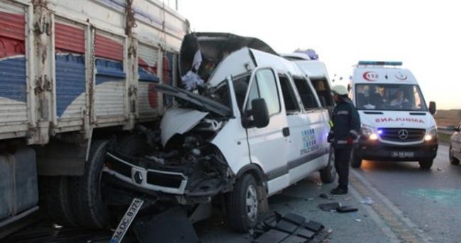 İstanbul'da feci kaza: 3 ölü, 6 yaralı