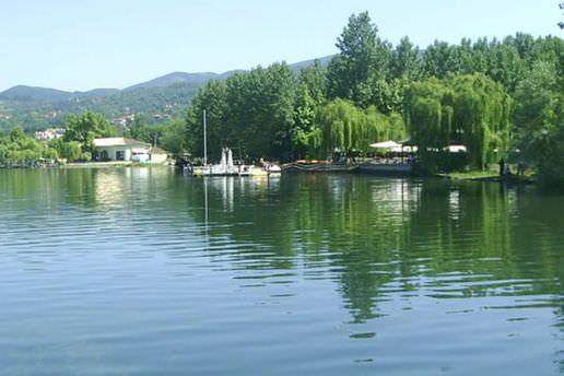 Sapanca Gölü taştı