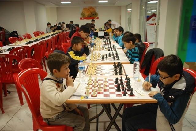 Deva Okulları'ndan Santranç Turnuvası