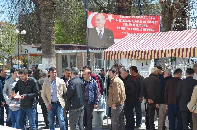 Başkan Akın, Türkeş İçin Lokma Döktürdü