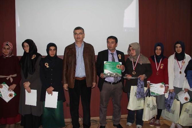 Güvenç, 6. Uluslararası Arapça Yarışmasında Dereceye Girenlere Ödül Verdi