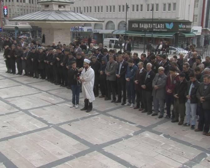 Şehit Savcı İçin Gıyabi Cenaze Namazı Kılındı