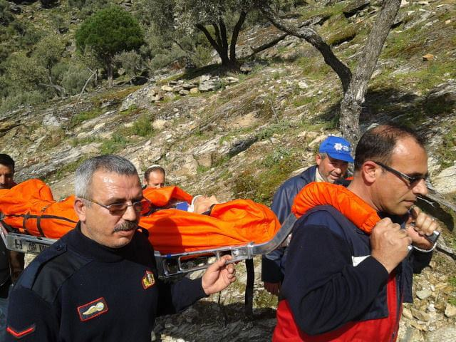 Söke'de Uçuruma Yuvarlanan Yaralı Genci İtfaiye Ve UMKE Kurtardı