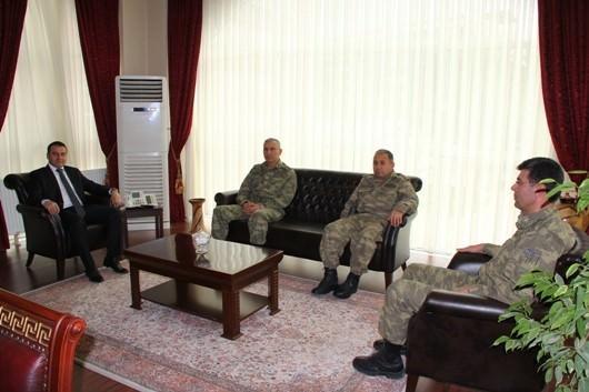 Komutanlardan Erciş Kaymakamı Yaşar'a Nezaket Ziyareti
