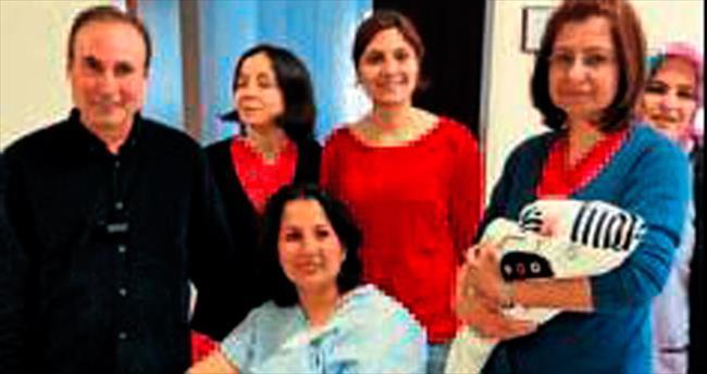 Yeni hastanenin ilk bebeği doğdu