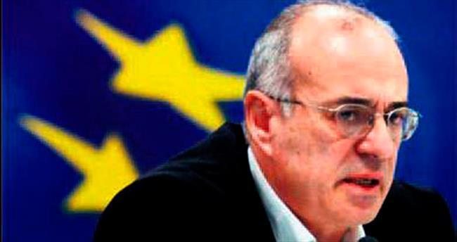 Komşu euroya bağlı drahmiye dönecek