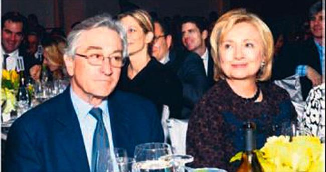Clinton'a başkanlık yarışı için ofis kiralandı