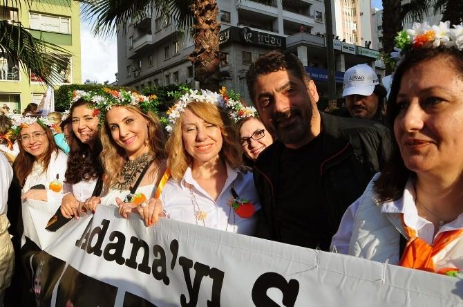 Adana'nın Gelinlerinde Karnaval Coşkusu