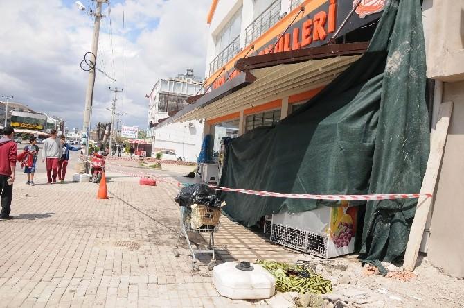 Antalya'da Otomobil Fırına Daldı: 1 Ölü, 3 Yaralı