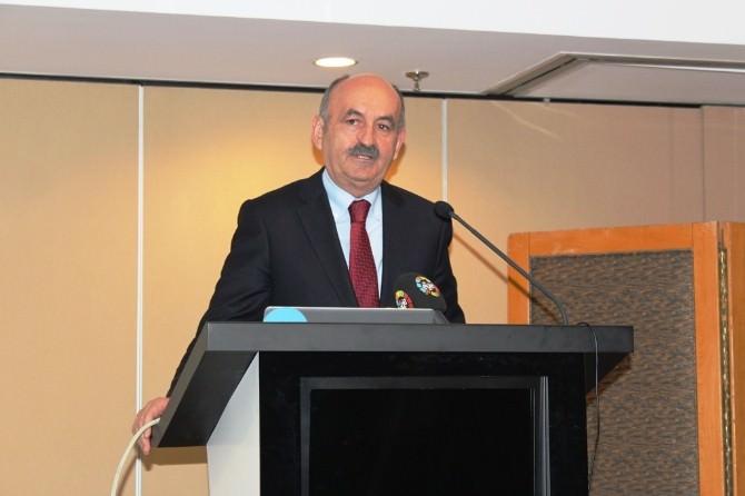 """Bakan Müezzinoğlu: """"Bu Millete Kır Tavuğu Muamelesi Yaptılar"""""""