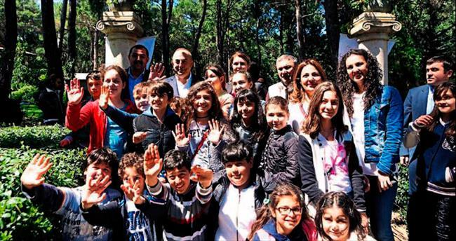 Bakan Çavuşoğlu gençlerle buluştu