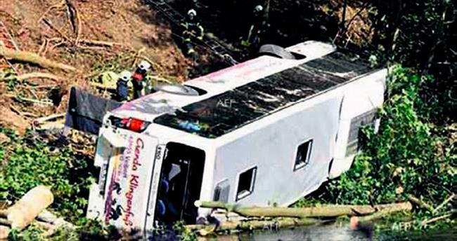 İki kazada 33 ölü