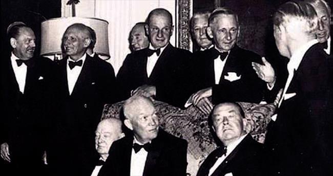 Churchill'in uyukladığı fotoğraflar satılıyor