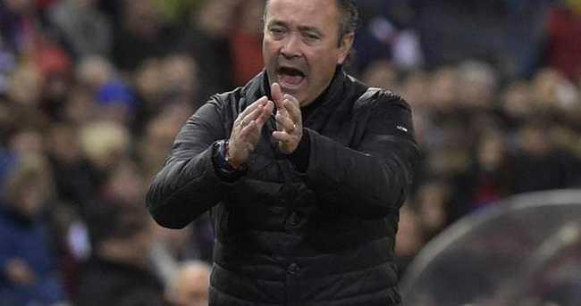Almeria'da Martinez'in görevine son verildi