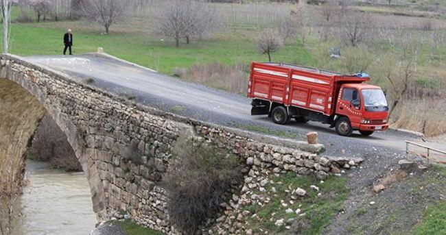 Tarihi köprü su altında korunacak